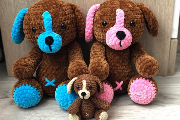 Bernat Baby Velvet Crochet Bunny - Repeat Crafter Me | 400x600